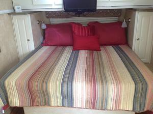 Click image for larger version  Name:camper steve bed.jpg Views:17 Size:226.4 KB ID:1132