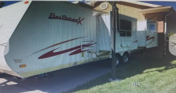 2008 funfinderX 230ds camper has 2 slide outs which are the couch and bed