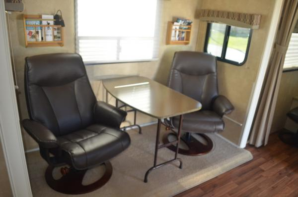 """Chairs and table in place of """"U"""" shaped dinette"""